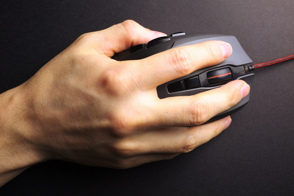 Gaming mouse grip